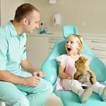 На приеме у зубного первый раз!